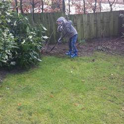 Bij oma en opa in de tuin spelen Lovely Pictures   Week #9