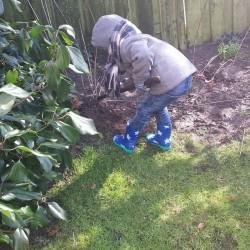 Bij oma en opa in de tuin spelen Lovely Pictures | Week #9