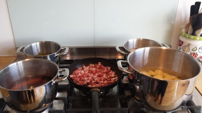 Koken met 5 (!!!) pannen!