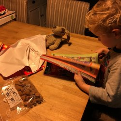 Lovely Pictures #3   Playdate, pepernoten & Sinterklaas!