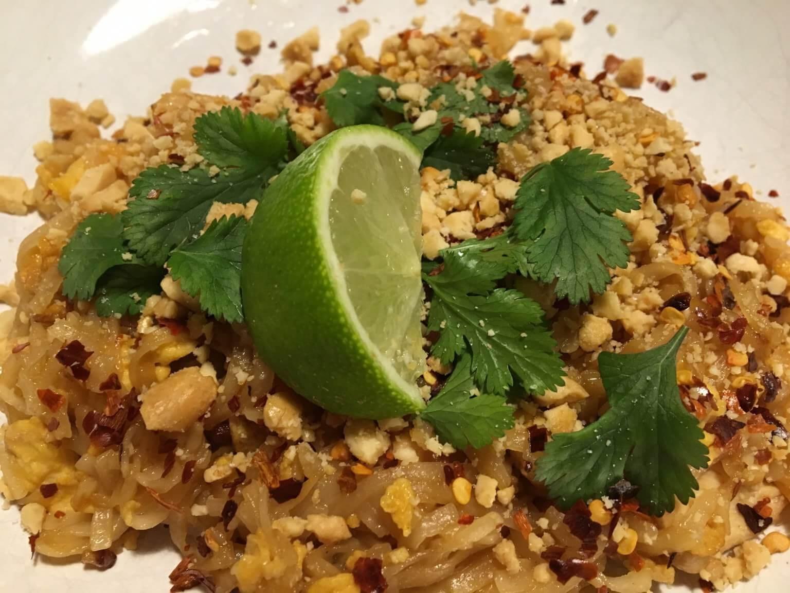 Recept | Zelfgemaakte Pad Thai met kip