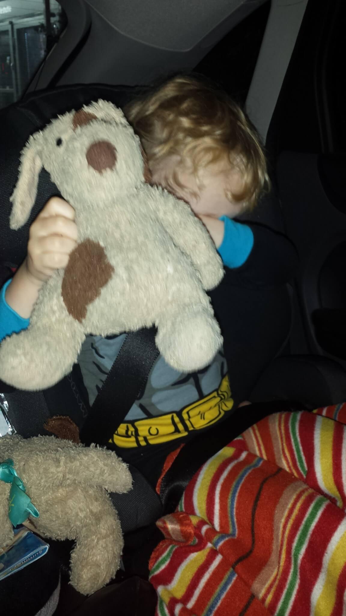 Hoe overleef ik een autovakantie met kinderen?!