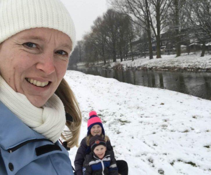 Lovely Bodies | Marijke van mama's met thee