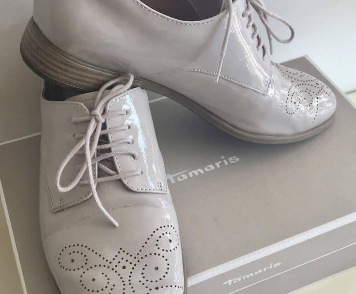Schoenen uit de sale van Sans-Online!
