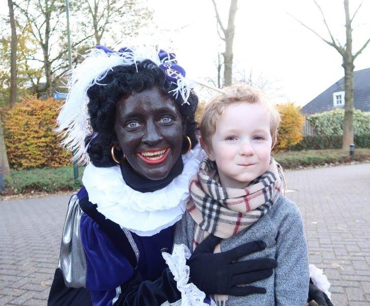 Lovely Vlogs #1   Sinterklaas met Nanne Meijer én opa & oma!