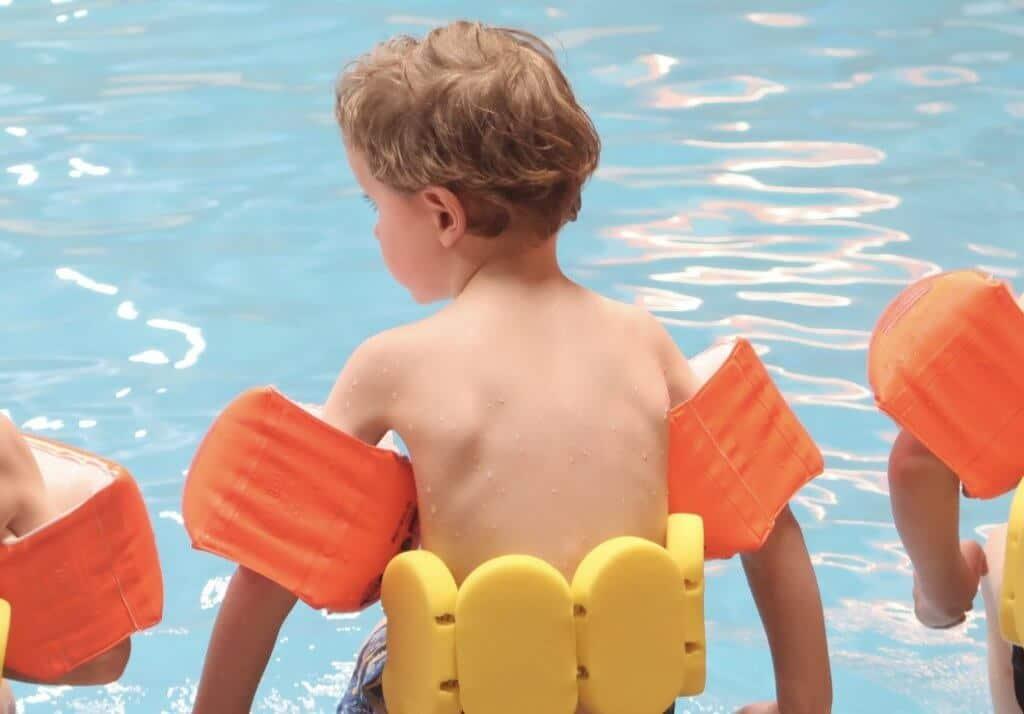 Lovely Vlogs #6 | Ifan's eerste zwemles!