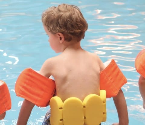 Lovely Vlogs #6 | Ifan's eerste zwemles